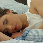 Image Bruneta trezita din somn de blonda bunaciune care vrea limbi in pizda