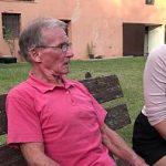 Image Bunic de 75 de ani cu pula mare fute pe banca o blonda tanara