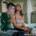 Image Tanara nimfomana dornica de sex parasita de iubit face sex cu fratele viril