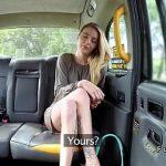 Image Fake Taxi cu o blonda slaba fututa de sofer in pizda ei stramta