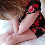 Image Mamica trista si disperata cedeaza avansurilos si face sex cu fiul vitreg
