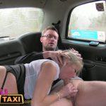 Image Sex in taxi fake cu blonda tatoasa si hot negru cu pula mare