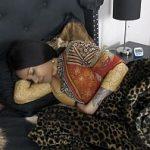 Image Trezita din somn indianca suge pula si se masturbeaza imbracata