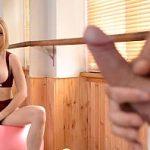 Image Blonda disperata cu sani mari ofera muie la trei barbati