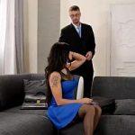 Image Agenta reala sex cu doi barbati pentru discount de 10 procente