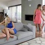 Image Lesbiene viziteaza doua amice pentru o noapte a fetelor