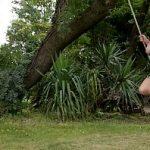 Image Lily si Larisa lesbiene cu silicoane se joaca goale in balansoar