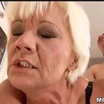 Image Femeie cu experienta ii suge pula pustiului si o vrea toata in pizda sparta
