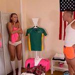 Image Ornella Morgan si Tiffany Tatum futai brutal in vestiar cu jucator de fotbal american