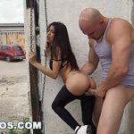 Image Veronica Rodriguez sex in public cu un chelios viril
