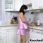 Image Sex scurt rapid in bucatarie pe masa cu o graviduta sexy