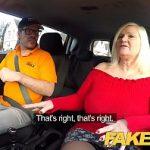 Image Femeie matura suge pula instructorului in masina