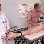 Image Brill Xandra sex in cabinet cu iubit si doctor excitat