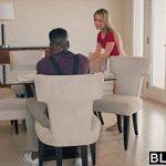 Image Blonda perfecta face dus si sex brutal cu negru cu pula mare