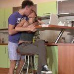 Image Rusoaica studenta sex la domiciliu cu noul iubit