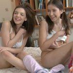 Image Sex porno cu doua fete de liceu care sunt futute in grup