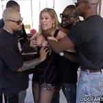 Image Cherie Deville violata de un grup de negrii cu puli mari