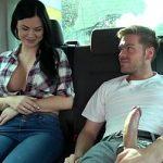 Image Ryan convinge o bruneta inocenta sa faca sex in masina