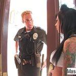 Image Mason Moore sex la domiciliu cu ofiter de politie