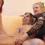 Image Bunica fetei invata cuplu tanar sa faca sex