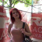 Image Roscata agatata la terasa primeste bani pentru sex