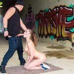 Image Evelina Darling sex neprotejat pe gang cu ejaculare in gura