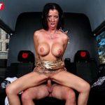 Image Cameraman filmeaza milfa cand face sex in masina cu actor XXX