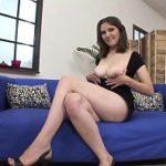 Image Romanca face videochat si e penetrata de doi barbati