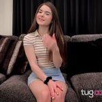 Image Megan o fata de 19 ani freaca pula live si e stropita cu sperma