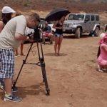Image Diva Mea Melone filmata in desert cand se fute neprotejat