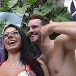 Image Danny fute o romanca cu sani mari pe plaja din Brazilia