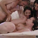 Image Orgie cu trei tarfe tinere penetrate de barbat dotat