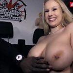 Image Siliconata sex cu negru in caravana sexuala