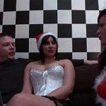 Image Eva si o amica sunt platite pentru sex in grup