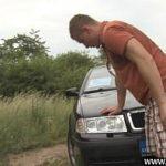 Image Opresc in padure pentru o partida de sex pe capota masinii