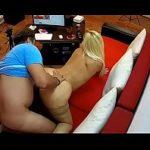 Image Blonda romanca cu tatuaj pe spate la videochat xxx
