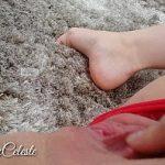 Image Masturbare pe plaja si orgasm cu stropi