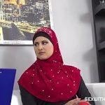 Image Musulmanca la angajare suge pula cu pasiune