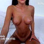 Image Romanca bruneta live la videochat xxx 2020