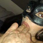 Image Tanara la bal mascat fututa in gura si pizda