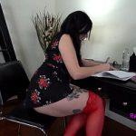 Image Shelby la birou suge pula sefului si se joaca cu vibrator