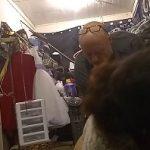 Image Femeie gravida suge pula in cabina de proba a unui magazin