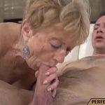Image Matura la 65 de ani suge pula si face sex cu tanar