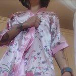 Image Milfa arata la webcam cum se suge dildo imens